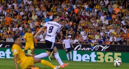 Un seriós València tomba el Màlaga (3-0)