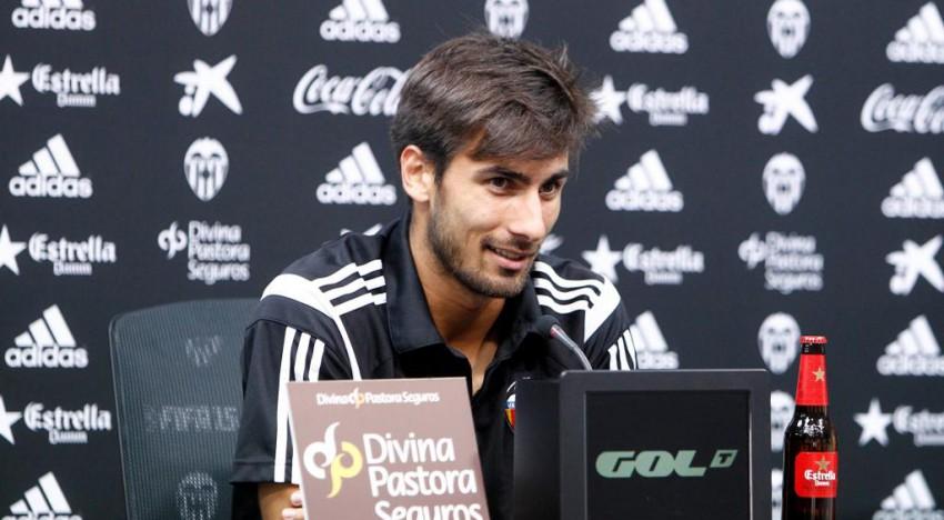 """André Gomes: """"Amb la nostra afició juguem dotze"""""""