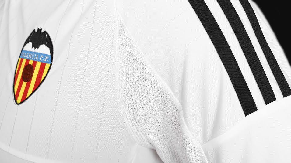 Les noves camisetes del València es presentaran el dimarts