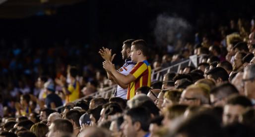 Mestalla s'enganxa al partit davant el Gent