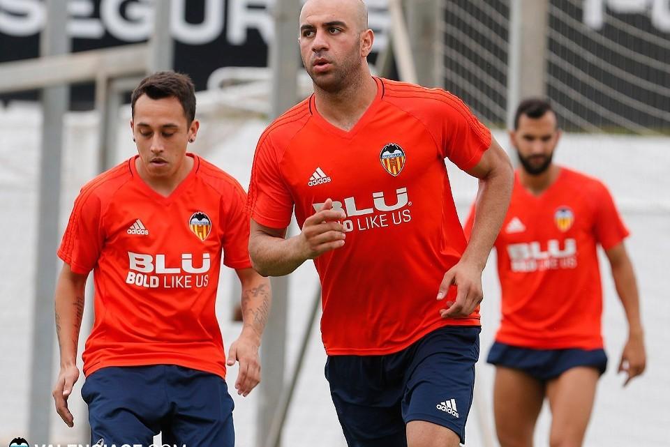 El València CF es planteja renovar a Abdennour