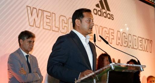 """Anil Murthy: """"El futur del club està vinculat a la fortalesa de l'Acadèmia"""""""