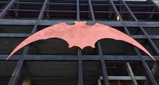 ATENCIÓ: Este és el nou aspecte de la lona del ratpenat de Mestalla