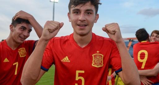 El València CF clava la mirada en Victor Chust
