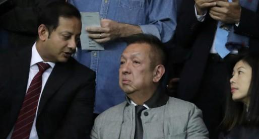 Anil Murthy viatja a Singapur per a reunir-se amb Lim