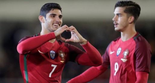 Guedes firma un gran partit amb Portugal