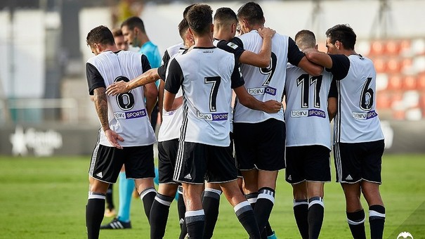 Martin Lapeña marca un gran gol amb el València CF