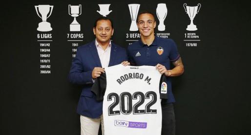 El ValènciaCF renova a Rodrigo fins a 2022