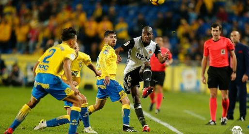 L'expulsió de Paulista penalitza a un València gris (2-1)