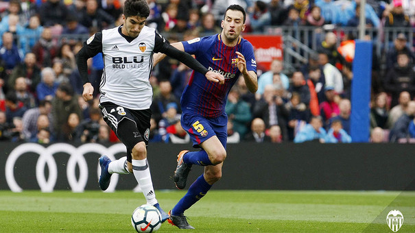 Carlos Soler complix 50 partits amb el València