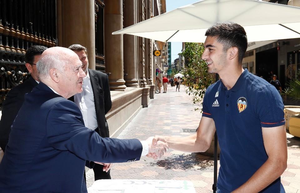"""Ferran Torres: """"El València confia en la pedrera i ho està demostrant"""""""