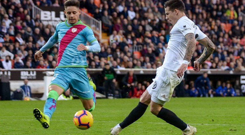 CRÒNICA: Un doblet de Mina i un gol de Gameiro davant el Rayo donen la primera victòria de Lliga en casa