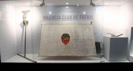 Restaurada la bandera original del Valencia FC de 1924
