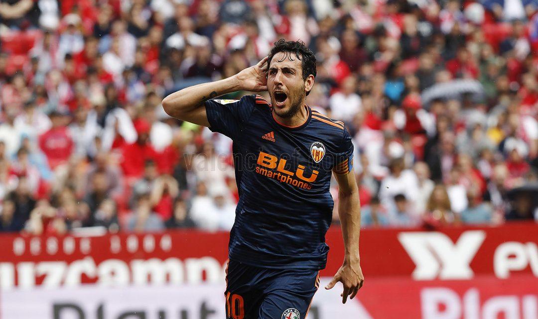 CRÒNICA: El València CF guanya 0-1 al Sánchez Pizjuán i s'arrima a la Champions