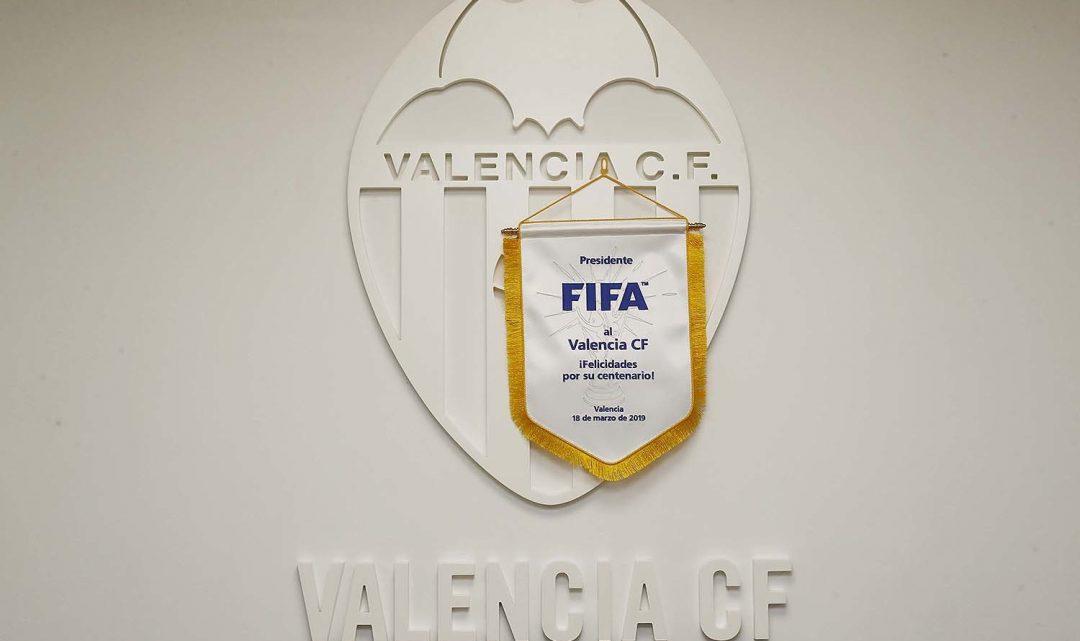 El món del futbol felicita el Valencia CF pel seu Centenari