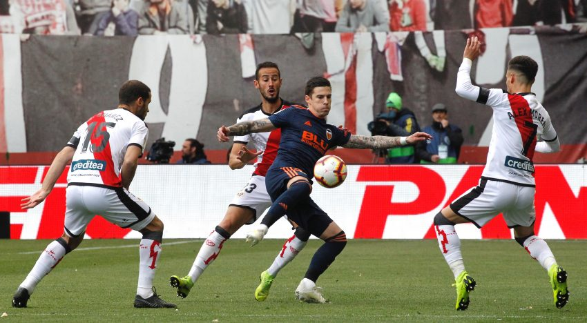 El València CF perd l'oportunitat de dormir en Champions després d'una dura derrota a Vallecas
