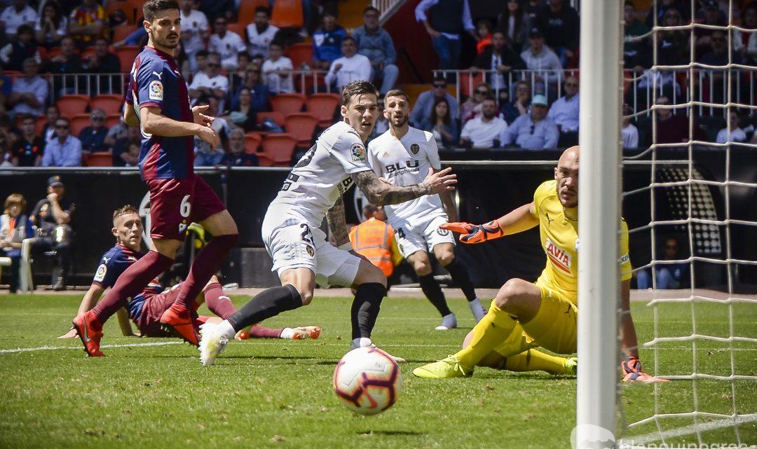 La promesa de Santi Mina per a la final de Copa
