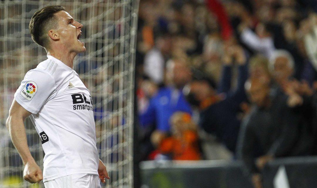 El València CF fica en venda a Gameiro