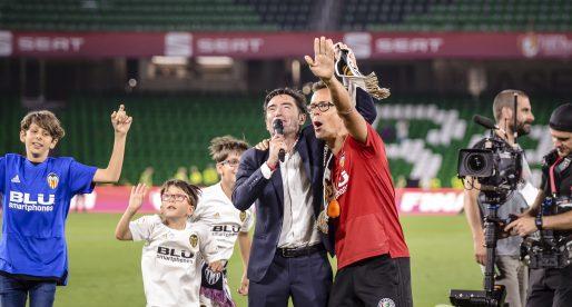 La reacció de Mateu Alemany i Marcelino en trobar-se després de guanyar la Copa del Rei