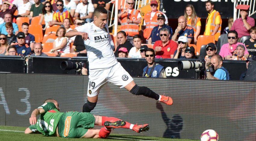 CRÒNICA: Victòria davant l'Alavés per situar-se en Champions per primera vegada esta temporada