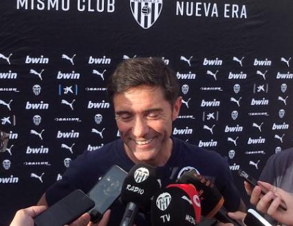 """Marcelino: """"Rodrigo és un jugador que està ací i ara mateix tots pensem que pot quedar-se"""""""