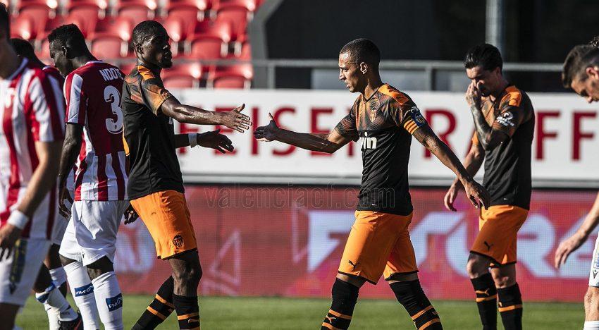 El València guanya fàcil al Sion