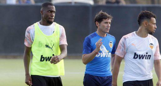 El vestidor del València CF es frega els ulls