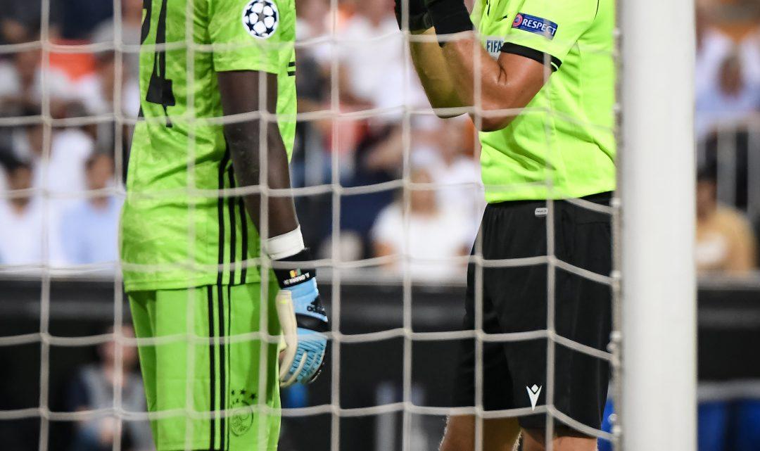 El porter titular de l'AFC Ajax és dubte per al partit