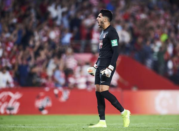 El Sevilla arriba a un preacord amb Marko Dmitrovic