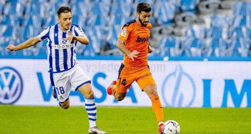 Gran victòria d'un València que resisteix i s'emporta un valuós botí del Reale Arena