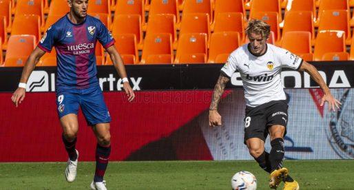 El València empata amb el Huesca un partit que mereixia perdre