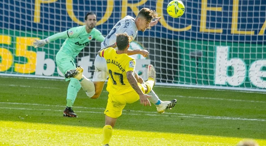El Vila-real s'imposa al València amb gol de Parejo