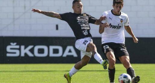 Facu González renova amb el VCF