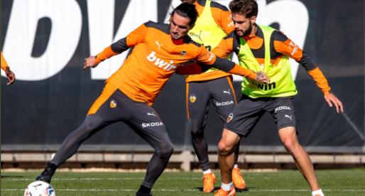 El València entrena sense els seus futbolistes internacionals