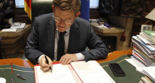 La Generalitat espera administrar 400.000 dosis setmanals a partir d'abril