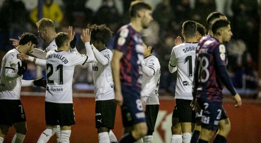 CRÒNICA: El València CF guanya sense problemes al Yeclano en la Copa del Rei