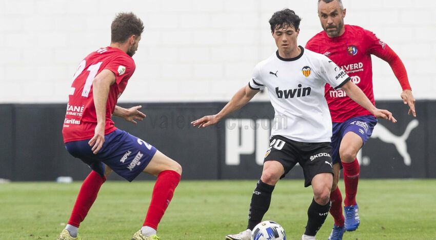 CRÒNICA: El VCF Mestalla cau derrotat en l'últim minut davant l'AE Prat (1-2)