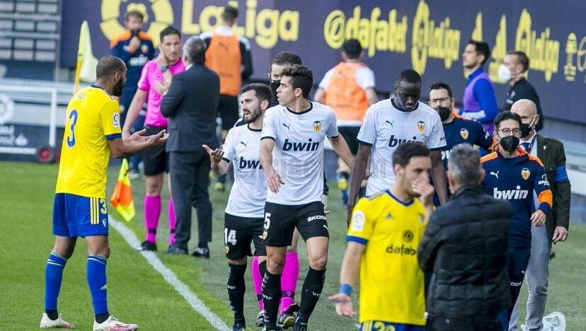 Perd el València CF i perd el futbol a Cadis