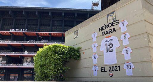 València es decorada amb samarretes del VCF