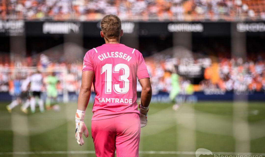 Entra i vota: A qui li donaries la porteria davant el Barça?
