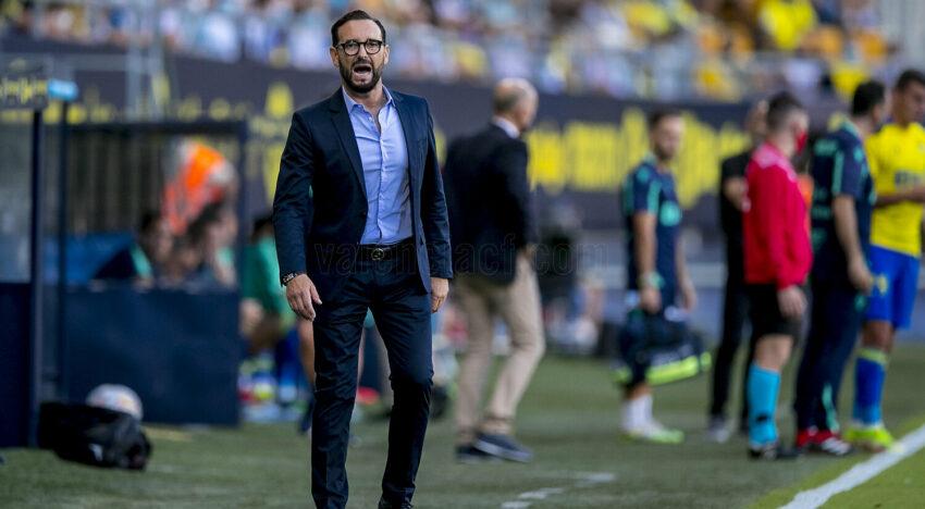 El València suma  altre partit sense guanyar enmig del ridícul del Mirandilla
